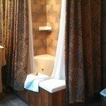 Room 1 Bath
