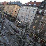 Вид с балкона, очень симпатичный район с типичной стокгольмской архитектурой
