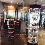 в отеле открылся CJ Boutique.