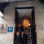 Hotel Meninas Entrance