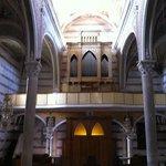 San Pietro a Corniglia, interno controfacciata con l'organo