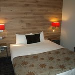 Chambre moderne et confortable
