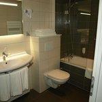 Salle de bain avec baignoire ;)
