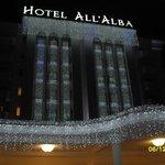 Facciata hotel illuminata-Natale