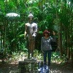 Sukothai bronze statue