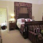 Room 6 (Suite)