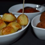 Rosted Gnocchi Croquetas of poultry Salsa
