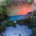 nuestro patio y fuente
