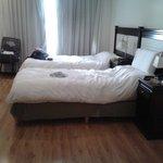 Quarto espaçoso com camas king size