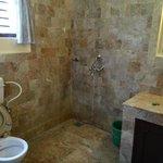 room 28 - bathroom