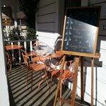 Терраса перед кафе