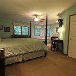 Room # 2 - Serenity Suites