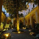 Atrium/Garden/Dining/Patio area