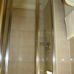SEHR sauberes Badezimmer
