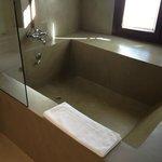 Bañera más grande aún