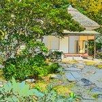 twaeked pic of Kenrokuen garden