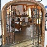 Eingang Salon und Restaurant