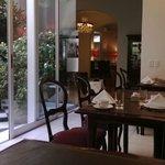 Hermoso el lugar donde desayunamos. Me acerqué a sentir el aroma de los jazmines!