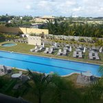 vista das piscinas a partir do apartamento