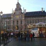 Stadhuis met carousel