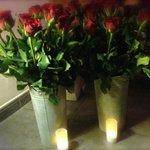 """Une partie des 100 roses de l'option """"Parlez-moi d'Amour"""""""