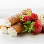 Honey Cannoli Mascarpone Cream, Strawberries