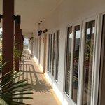 terrasse d'acces aux chambres a 1800 bahts