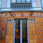 Foto de Yoshi Sushi and Japanese Grill