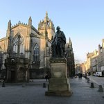 Adam Smith Statue and St Giles Cathedral