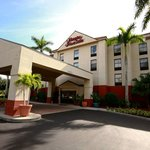 ‪Hampton Inn & Suites Fort Myers Beach / Sanibel Gateway‬