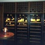 Chateau Mon Desir: Weinkühlschrank mit Raritäten gefüllt