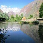 Teich auf dem Gelände der Lodge