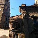 Santa Trinita a Firenze, particolare della facciata