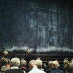 Театральный занавес - тоже знаковая вещь в любом театре..