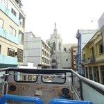 Vista Av. 9 de Octubre desde el bus turistico