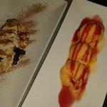 tarda de chocolata con salsa inglesa y helado de mandarina con sirope de fresa