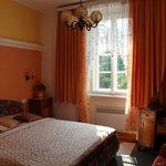 Спальня в двухкомнатных апартаментах