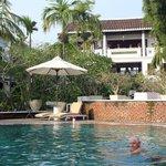piscine sous le lobby