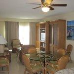 Living area 512A
