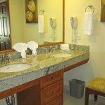 512A bathroom