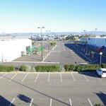 Parking hotel al lado zona comercial