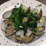 Linguini white clams topped with sautéed Broccoli Rabe!!!