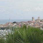 Le vieil Antibes vu du balcon.