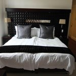double bed with cotton ( not polycotton) sheets