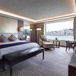 Premier Harbour View Suite – Bedroom