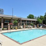 Travelers Inn Suites Memphis Pool