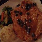 Soma Restaurant & Bar照片