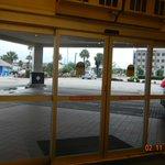 Vista entrada do hotel