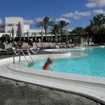 Hotellets opvarmede pool
