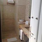 shower room 209